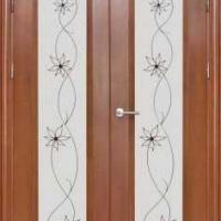 Железная эксклюзивная дверь с массивом дуба с 2-х сторон и витражами