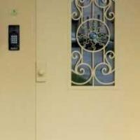 Стальная дверь в подъезд с простой окрас с 2-х сторон