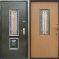 Стальная дверь со стеклом и ковкой с порошковым напылением и ламинатом