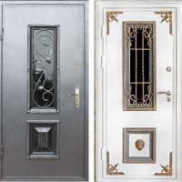 Стальная дверь со стеклом и ковкой с порошковым напылением и МДФ