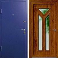 Стальная дверь с зеркалом с порошковым напылением и массивом дерева