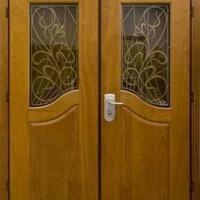 Стальная двухстворчатая дверь с массивом дуба с 2-х сторон