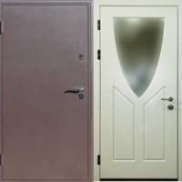 Входная дверь эконом класса с порошковым напылением и МДФ с зеркалом