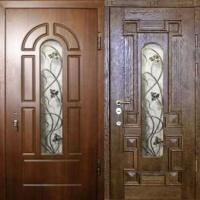 Металлическая дверь со стеклом с МДФ и массивом