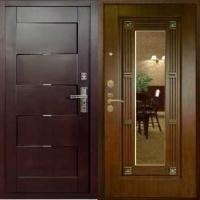 Входная дверь с зеркалом с массивом с 2-х сторон