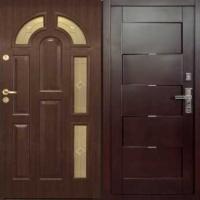 Стальная дверь в коттедж с МДФ и массивом