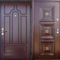 Входная дверь в квартиру с массивом с 2-х сторон