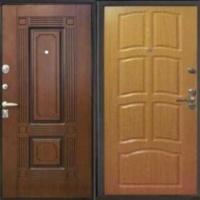 Железная дверь в квартиру с массивом и МДФ