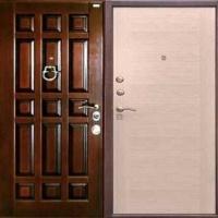 Входная дверь в квартиру с массивом и МДФ
