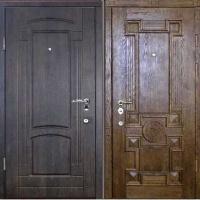 Стальная уличная дверь с массивом с двух сторон