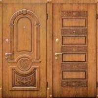 Железная уличная дверь с массивом с двух сторон