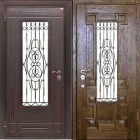 Стальная уличная дверь с массивом со стеклом и ковкой и массивом